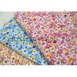 Ткань для печворка и рукоделия Мелкие цветы и розы. Розовая