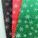 Фетр с крупными снежинками. Зеленый