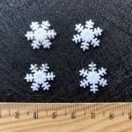 Снежинка пластиковая 17 мм