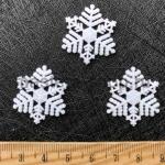 Снежинка пластиковая 25 мм