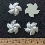 Полубусина Цветок Спиральный Перламутр 24 мм. 1 шт.