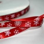Атласная лента Снежинки на красном фоне