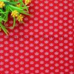 Фетр в цветочек. Красный